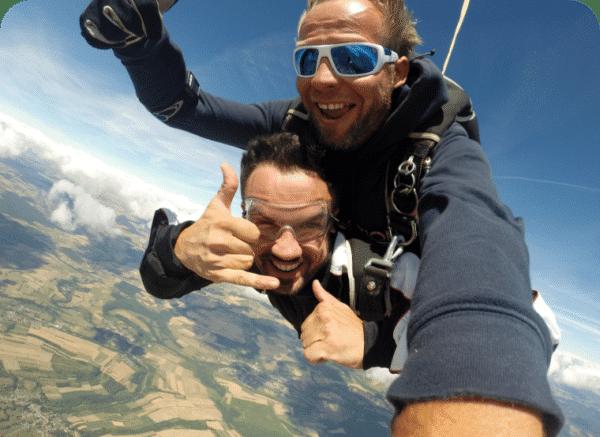 tandem parachute lorraine@2x